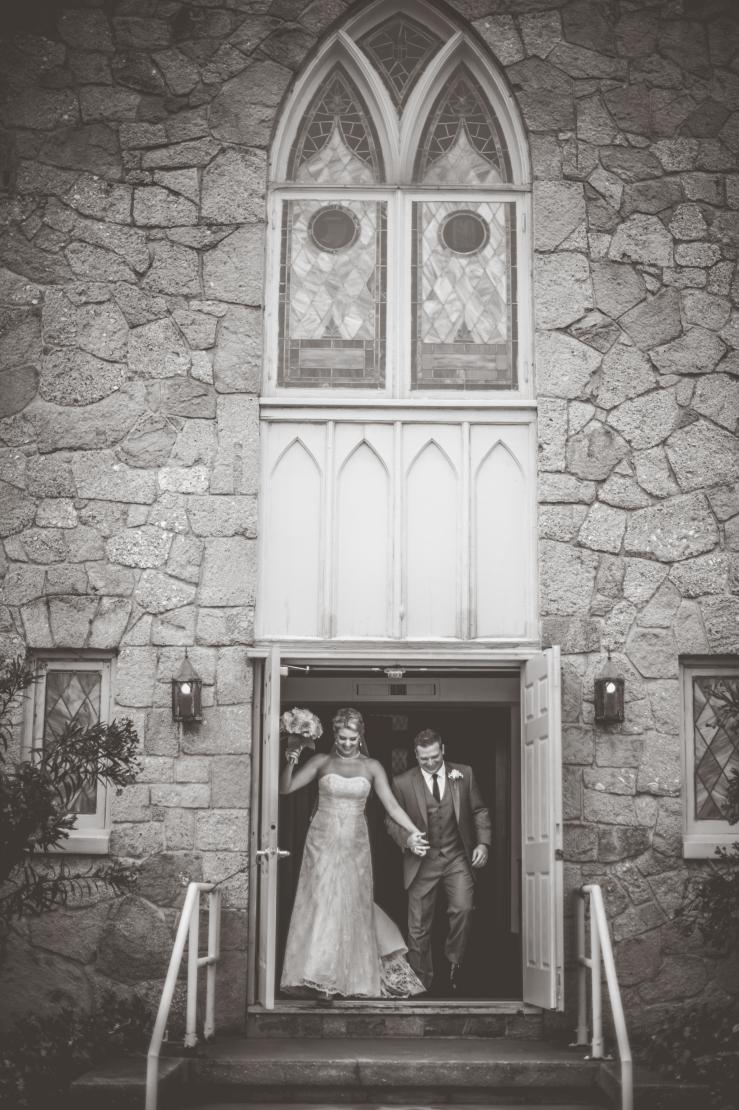 Kate&Bryan_Bride+GroomKiKiCreates-013