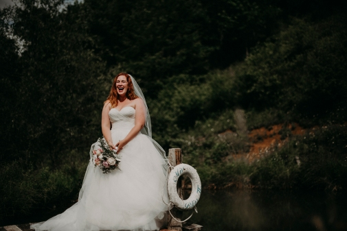 Megan&Myles_BridalPortraits_KiKiCreates-106