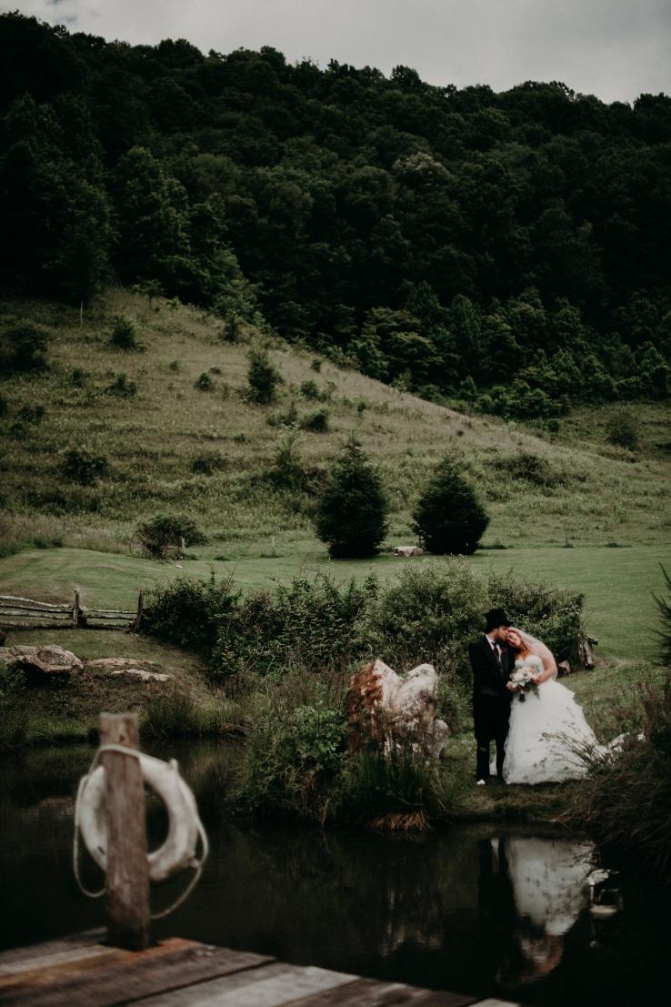Megan&Myles_Bride+Groom_KiKiCreates-116