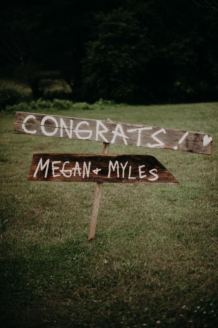 Megan&Myles_Details_KiKiCreates-100