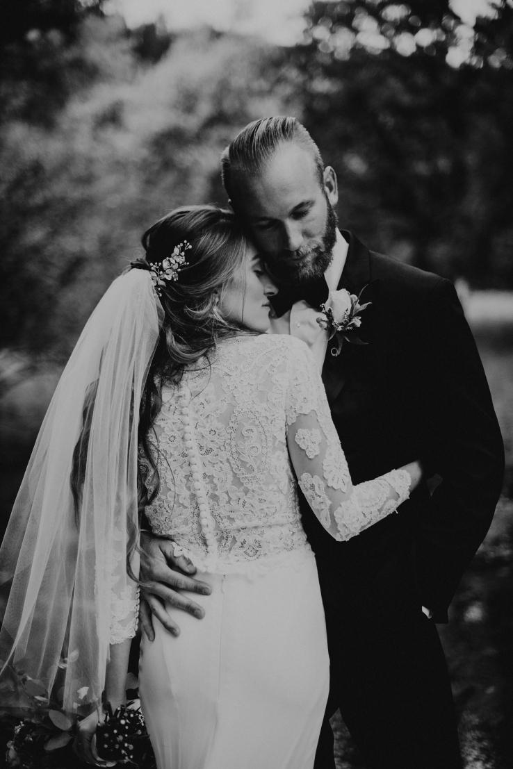 Catherine&Ryan_Bride+Groom_KiKiCreates-035