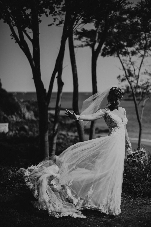 Emily&TJ_BridalPortraits_KiKiCreates-110