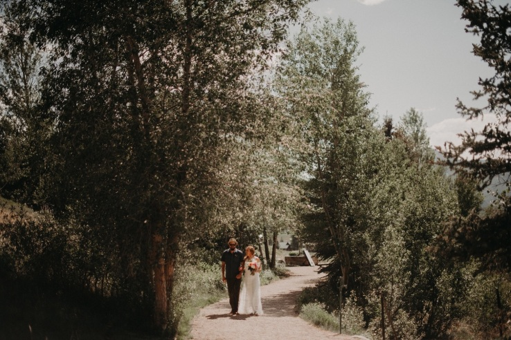 14_Ali&Mark_Ceremony_KiKiCreates-018_mountain_weddings_in_mountains_rocky_summer_the_photograhers_butte_colorado_photographer_crested