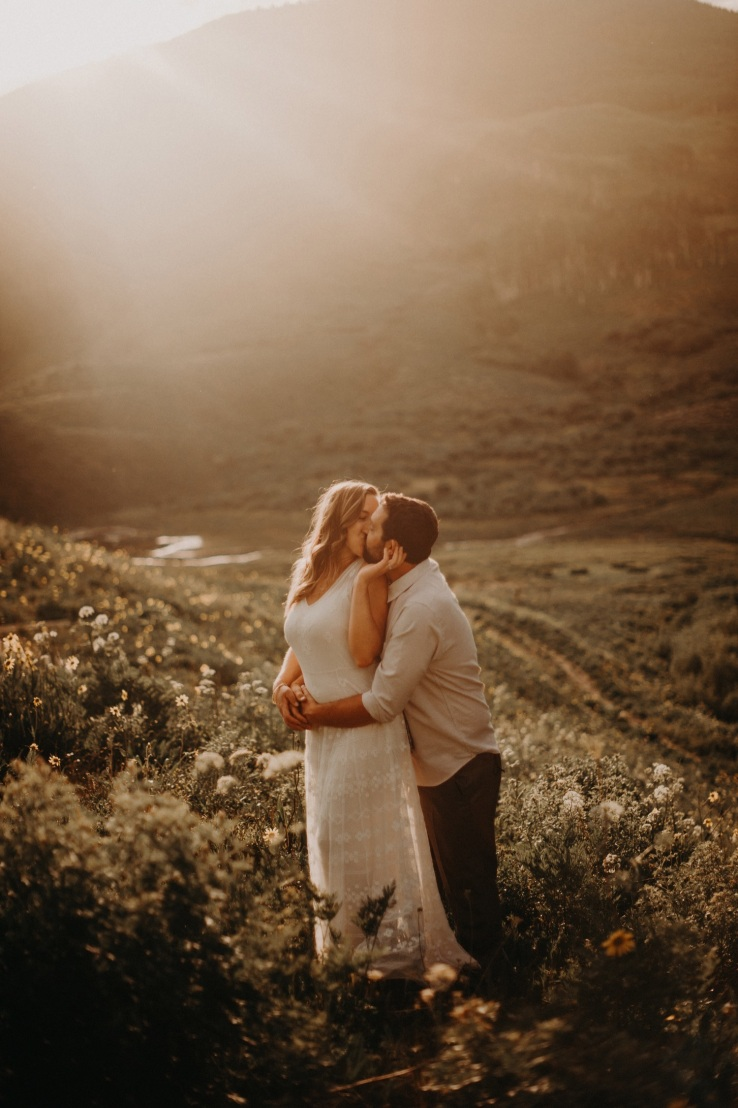 38_Ali&Mark_Bride&Groom_KiKiCreates-029_mountain_weddings_in_mountains_rocky_summer_the_photograhers_butte_colorado_photographer_crested